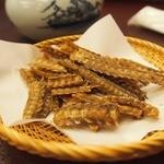 富松うなぎ屋 - うなぎの骨から揚げ★お茶・おしぼり持って➡注文