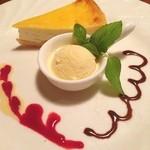 水戸チーズバル - アイスがメインっぽーい笑