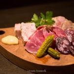 コンフル - 北海道エレゾさんの加工肉盛り合わせ