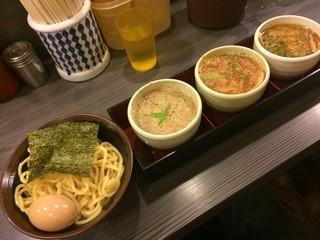 めん屋 桔梗  - 味くらべ3種盛り(普通)