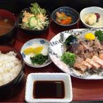 木器亭 - 料理写真:カツオとサーモンのタタキの定食