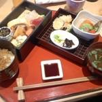 旬草 弥ひろ - お昼の弁当 税込1100円