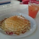 58カフェ - ハワイアンパンケーキとグレープフルーツジュース