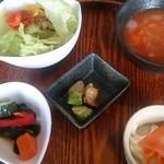 LES BAUX - 定食の前菜とスープ