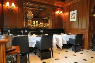 レストラン マノワ - 27年7月 店内 テーブル席