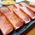 喰太呂 - 料理写真:特上タン塩焼き