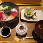 40081813 - 沢瀉特選 海鮮丼1,300円(税込)