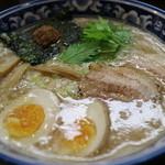 麺屋 桜 - 味玉入り中華そば 770円