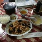 品華亭 - 炒木須肉730円(玉子豚肉キクラゲの炒め物定食)