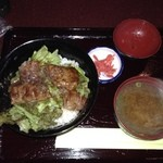 40085837 - シャルドンのステーキ丼680円。