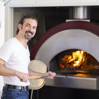 ナポリから直輸入の石窯で焼くpizza-ピッツァ-