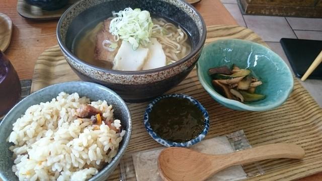 沖縄ごはん くくる食堂