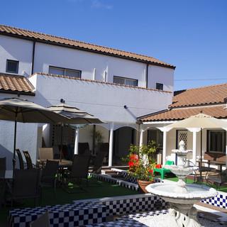宿泊もできるホテル《ヴィラ・オルティージャ》が隣接。