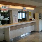 佐渡汽船直江津ターミナル売店 - こがね丸船内のスナックコーナー
