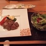 40090097 - ステーキ(美味しい山葵や塩やタレで頂きます)