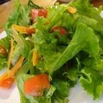 RAMO - 新鮮な野菜はマスターの手作りソースで頂きます