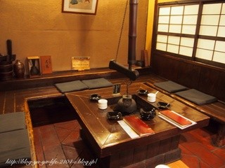 神田伯刺西爾 - 囲炉裏が雰囲気ありますね。