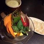 40093723 - 野菜のチーズフォンデュ★                       ソースはオシャレな黒トリュフ!