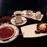 六本木モンシェルトントン - デザートのクレームブリュレ、アイスクリーム、コーヒーです。