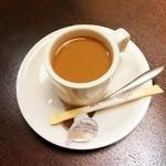 ほうりん - セットのコーヒー(ミルク投入済み)