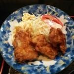 魚忠 - 日替り定食の唐揚げ&サラダ