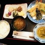魚忠 - 天ぷら定食 1000円(税込)