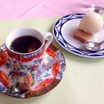 モダン亭太陽軒 - 食後のデザートとコーヒー