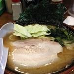 40115611 - 豚骨醤油らあめん(700円税別)
