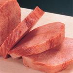 焼肉なべしま - お肉は繊維を垂直に断ち切るようにカット