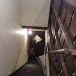 カフェ ヒメル - 階段を上から見た写真です
