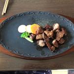 ダイニングプラザ ミルポワ - 料理写真:サイコロステーキ