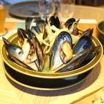 スプリングバレーブルワリー東京 - ムール貝のビール蒸し (2015/07)