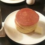 フライング・スコッツマン - 「当店自慢の手造りホットケーキ」580円税込+「アイスコーヒー」