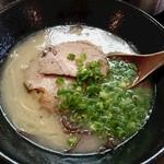 らーめん屋 たつし - ラーメン490円