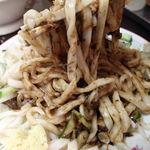 白龍 - じゃじゃ麺(中盛) 550円