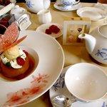 サロン・ド・テ ロザージュ - '10つつじのサバランとお茶セット