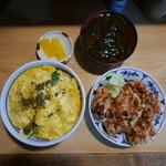 とり安 - 親子丼、唐揚げ