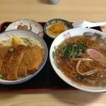 上州屋食堂 - 料理写真:ソースカツ丼と半ラーメン