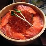 THEすすきの - サーモンとイクラの親子丼500円