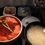 THEすすきの - サーモンとイクラの親子丼500円セット