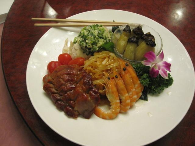 重慶飯店 横浜中華街 新館3F  - 五種前菜の盛合わせ