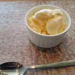 ル ミトロン カフェ - デザートのバニラアイス