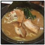 Si 激 Ya - Si激Yaラーメン・醤油。 トロッとしたスープ。 太麺とよく合う。 辛さ普通だと、ほとんど辛くない。