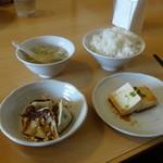 栄児 家庭料理 - 水餃子、冷奴、ライス、スープ
