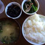 ハーバーズキッチン - 焼鮭定食1000円