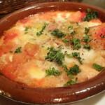 ヴィンテージ - 半熟目玉焼きモッツアレラチーズとトマトソースのグラタン