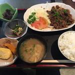 40145221 - 焼肉定食