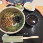 武蔵利休 - 妻は温かい茶そばと小鉢二種の御膳(750円+税)