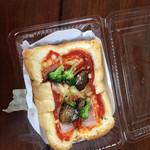 みずわき - pizzaトースト美味し!! 昼時は、早めに行かないと売切れ続出(^^;