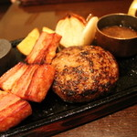 Toshi - ガーリック和風ハンバーグ 1390円+厚切りベーコン 300円